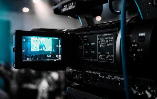 Le capteur, la sensibilité, l'optique : 3 composants principaux pour filmer